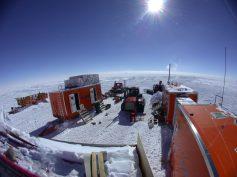 Il campo remoto ITASE (foto di S. Urbini, (c)PNRA)