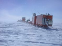 In traversa sul plateau antartico (foto di S. Urbini)