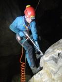 Carotaggio in parete di un Flowstone (colata stalagmitica), Grotta di Rio Martino (Crissolo, CN), foto I. Isola