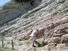 Campionamento di sedimenti marini in affioramento. Foto A. Cascella